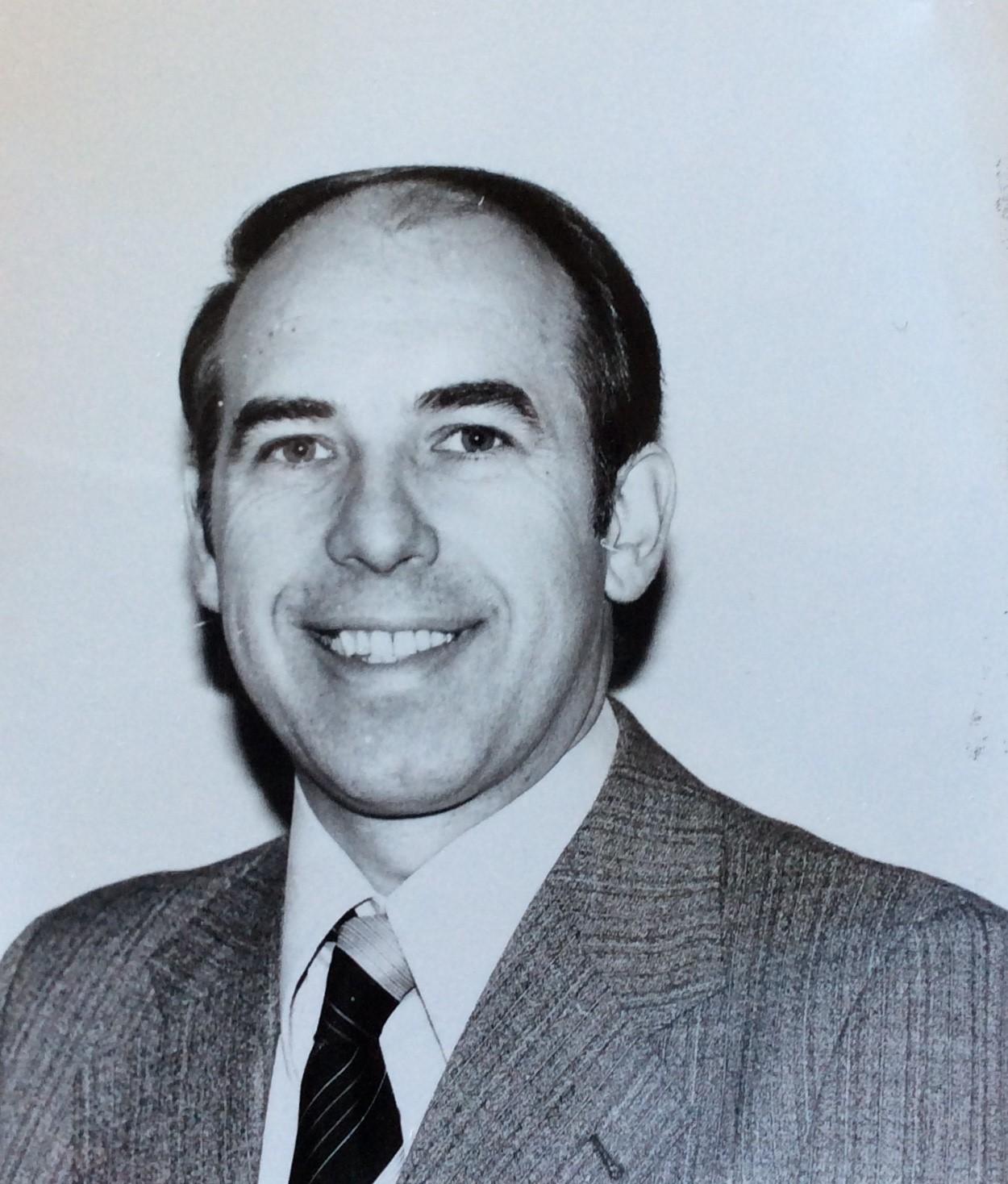 Dr Gordon Lees